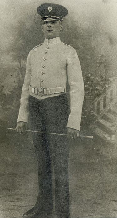 Died for his country 1915